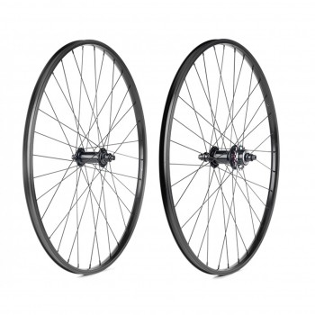 PAIRE DE ROUES BOMBTRACK ARISE 28'' BLACK